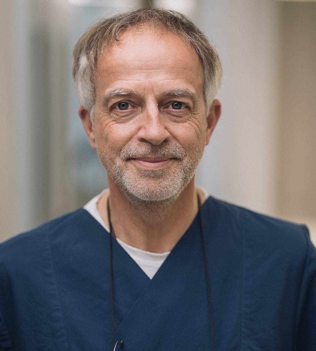 Dr. Gregor Thomas