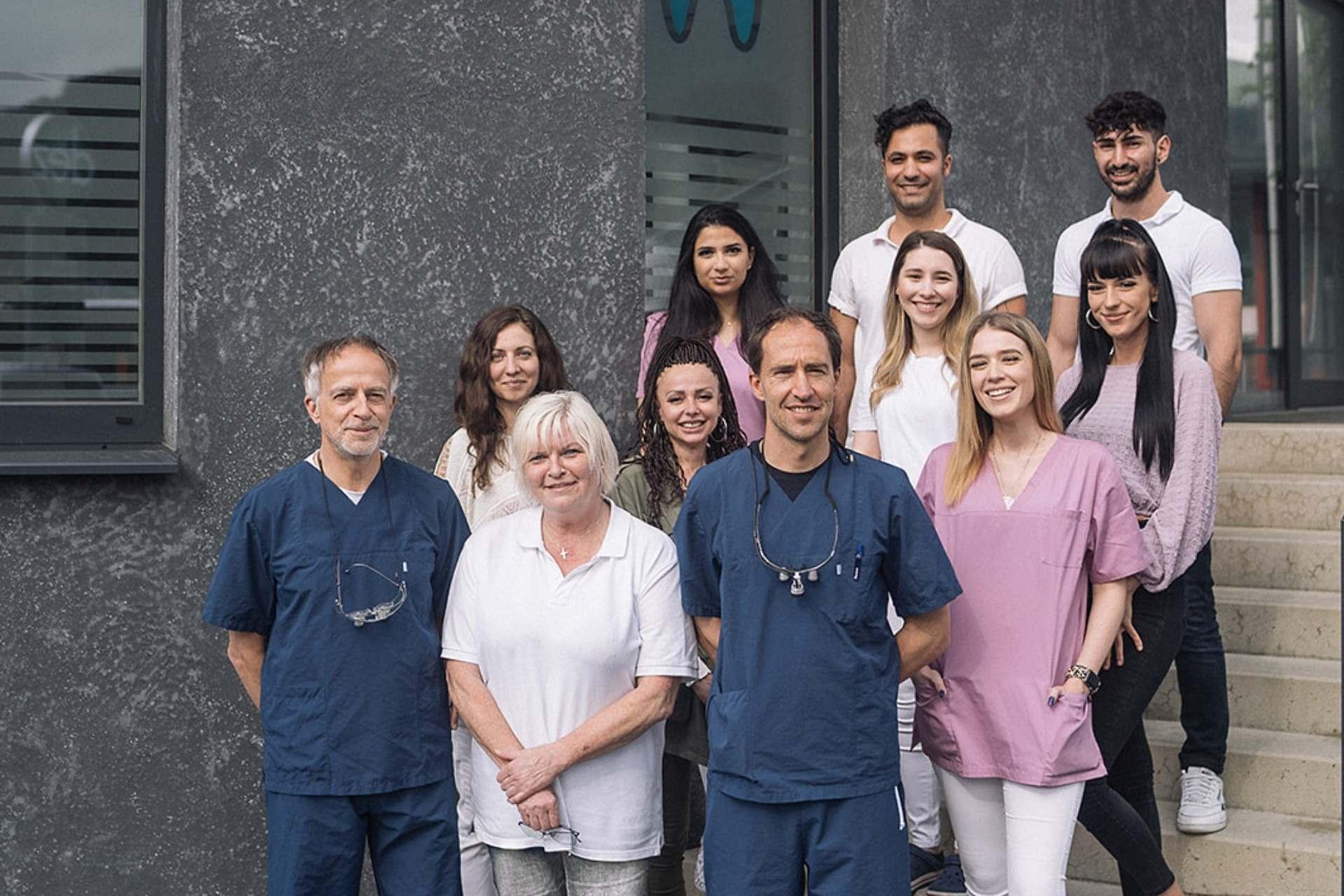 Zahnarzt Innsbruck beim DEZ